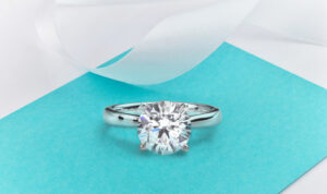round brilliant solitary engagement ring